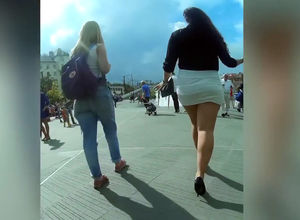 Ultra-cute street upskirt flick from..