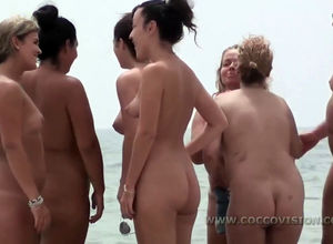 Gang of yam-sized  women on naked..