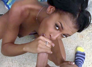 Dark-hued street mega-slut gets facial..