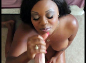 Plump ebony lady gives hand job for..