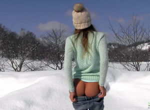 Slender russian dame Masha piss on the..