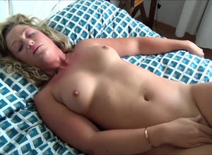 Blond housewife cunny fingered,..