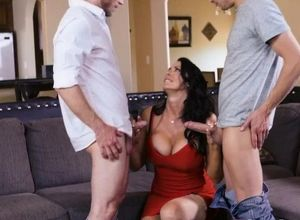 Wifey instructs 2 boys how to use..