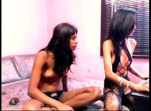 2 Indian camsluts nearly naked